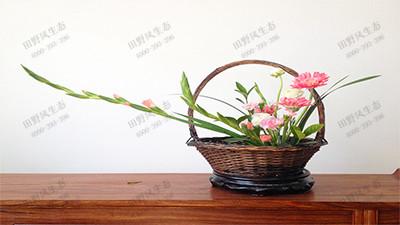东方式平铺型插花